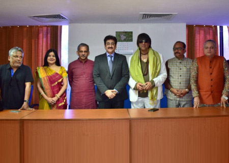 Sandeep Marwah Chief Guest at Udaan Cultural Event