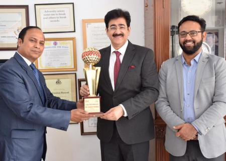 Sandeep Marwah Honored With Global Peace Ambassador